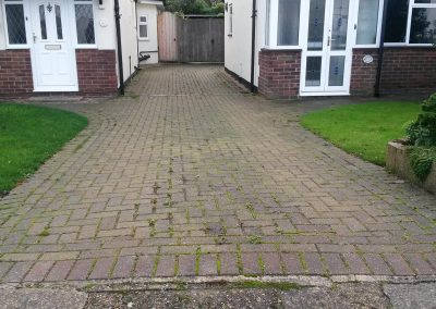 pressure-washing-in-walton-on-thames-surrey10