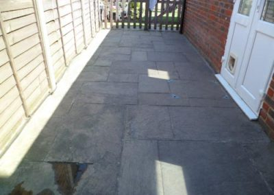 pressure-washing-in-walton-on-thames-surrey14
