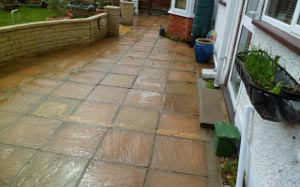 pressure-washing-in-walton-on-thames-surrey6