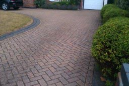 pressure-washing-in-walton-on-thames-surrey8